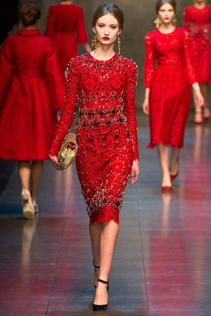 01-december-dolce-gabbana-vogue-AW13-29nov13-indigital_b_426x639