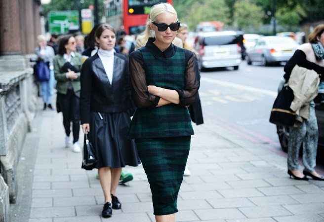 fashion tartan plaid green black dress peplum street style dot com tommy ton cococozy