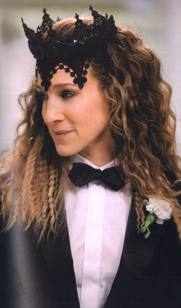 sex-and-the-city-2-carrie-tuxedo-hair-piece