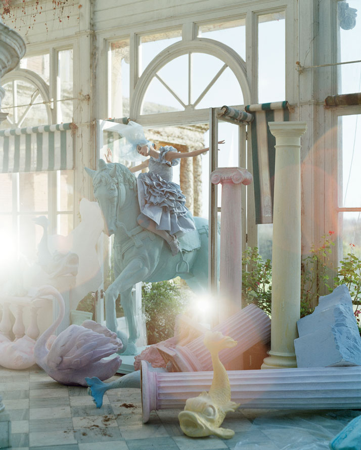 tim-walker-story-teller-somerset-house-london-yatzer-9