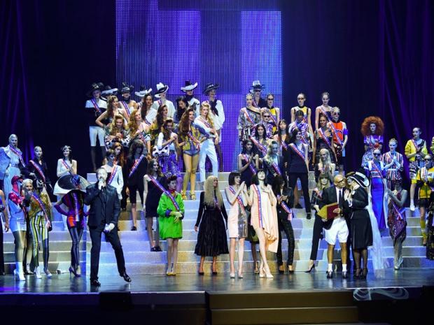 Il-gran-finale-della-sfilata-Jean-Paul-Gaultier-SS-2015_image_ini_620x465_downonly
