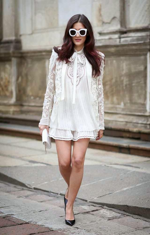 eleonora carisi wearing roberta cavalli