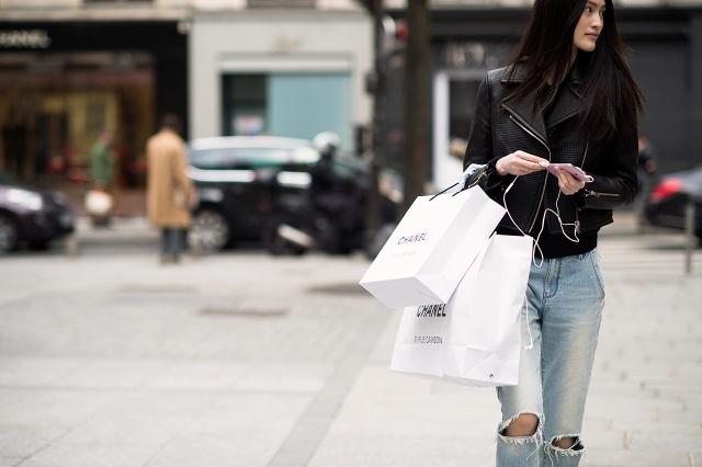 shopping-bag-street-style