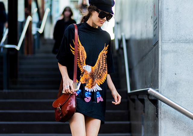 best-street-style-australia-fashion-week-2016-eagle-sweater