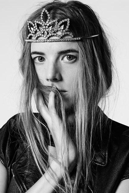 Saint-Laurent-Vogue-6Oct15-Saint-Laurent_b_426x639.jpg
