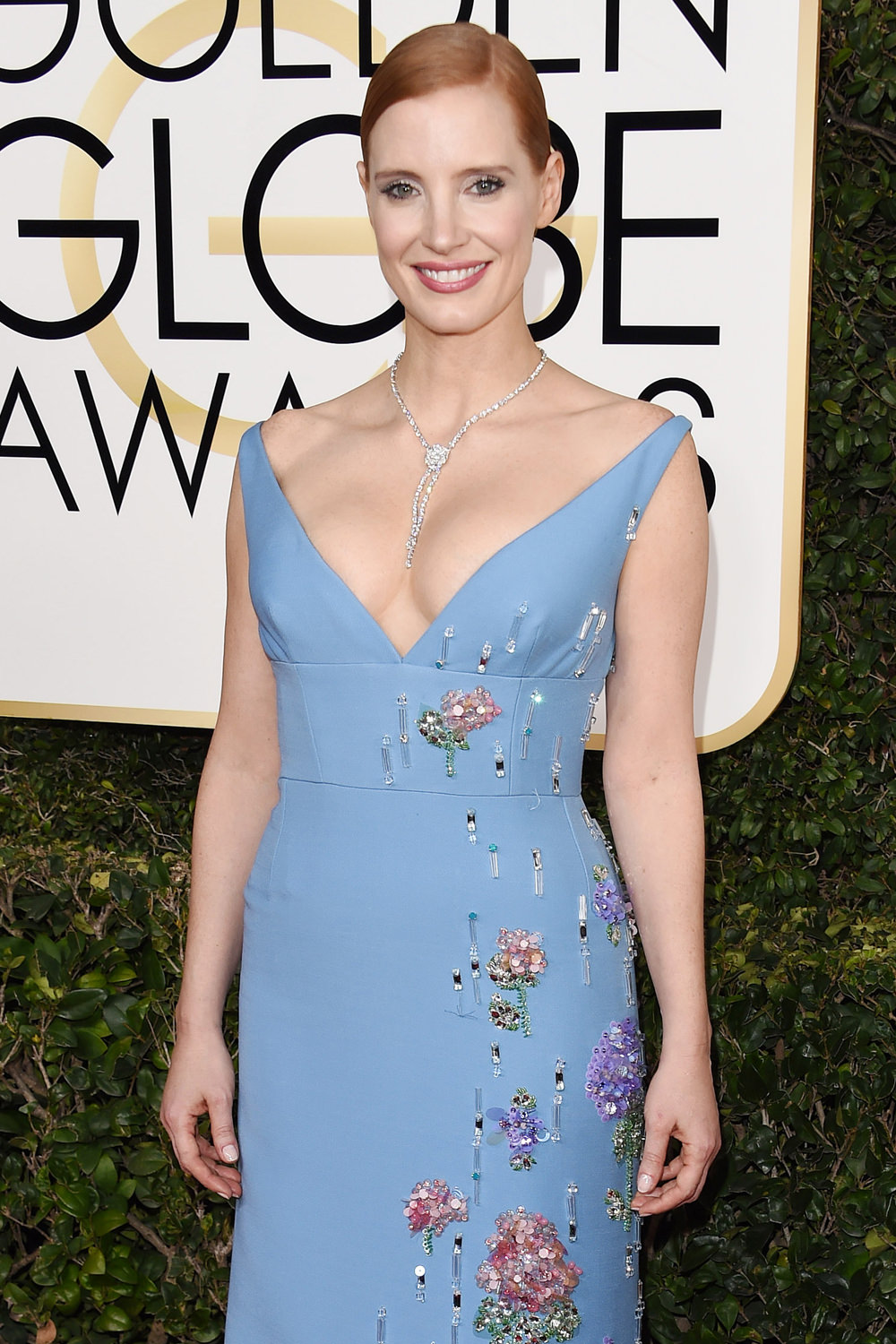 Jessica-Chastain-Miss-Sloane2017-Golden-Globe-Awards-Red-Carpet-Fashion-Prada-Tom-Lorenzo-Site-1.jpg